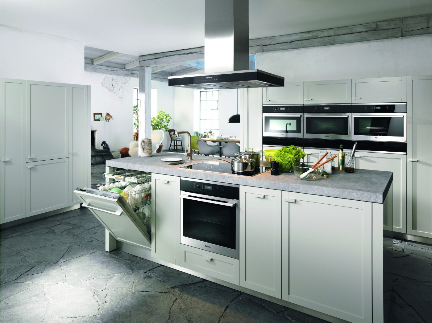 Miele kitchens london luxury kitchen store elan kitchens for Kitchen design shops